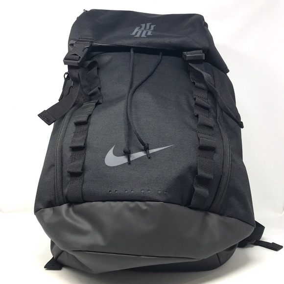 b65be9a7657 Authentic Nike Kyrie Basketball Backpack in Black.  M 5b6b8c34d8a2c7cb2f9c1ef8